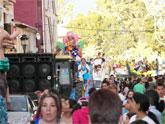 Unas 15.000 personas presenciaron el desfile de carrozas de ayer