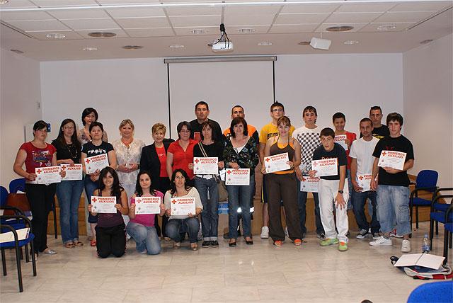 20 alumnos reciben el título del curso de primeros auxilios organizado por las concejalías de Deportes y Protección Civil - 1, Foto 1