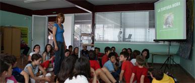Los centros educativos de Puerto Lumbreras reciben charlas sobre la Tortuga Mora y su hábitat en el municipio