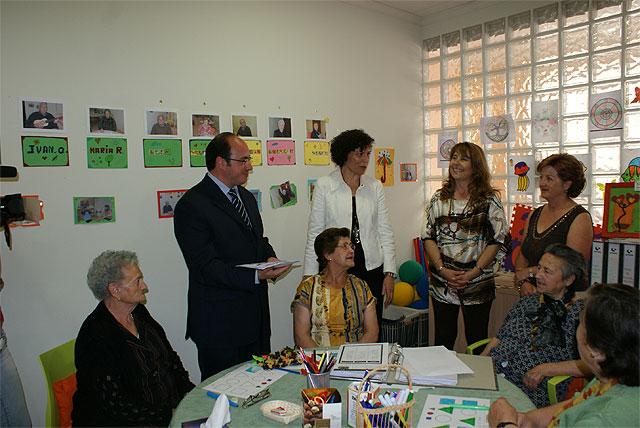 El Ayuntamiento y la Asociación Lumbrerense de Enfermos de Alzheimer firman un convenio de colaboración - 1, Foto 1