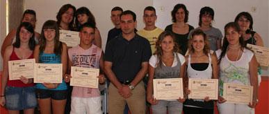 Los Corresponsales Informativos reciben un diploma por su labor en los centros educativos