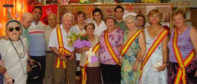 El rey y la reina del Servicio de Estancias Diurnas son coronados
