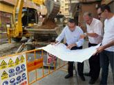 El Alcalde de Molina de Segura visita las obras de reposición de servicios urbanísticos en un tramo de la Calle Mayor