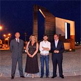 Inaugurada la escultura del Cincuentenario realizada por el artista lumbrerense FOD