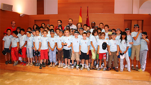 Presidency counselors and children receive health camp organized by the Hemophilia Association of Murcia