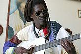 Cheick Lô homenajea al gran James Brown en La Mar de Músicas de Cartagena bajo la dirección musical de Pee Wee Ellis y Fred Wesley