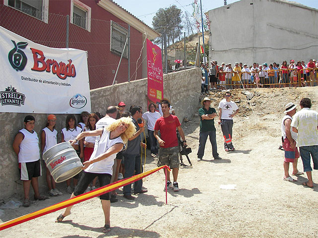 II Concurso de Lanzamiento de Barril, en las fiestas de El Hurtado - 2, Foto 2