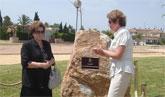 """La Alcaldesa descubre la placa del """"Parque Alcalde José Ruiz Manzanares"""" en un emotivo acto con la presencia de la familia del que fuera alcalde de San Javier durante 16 años"""