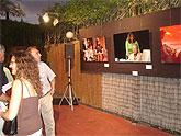 Una exposición de fotografías de Pepe H recupera la pasada edición del Festival de Teatro y Danza para el público del auditorio