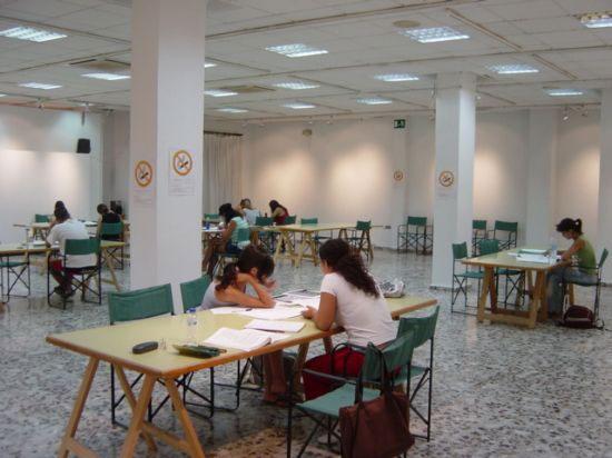A partir de hoy los mazarroneros cuentan con salas de estudio y lectura, Foto 1