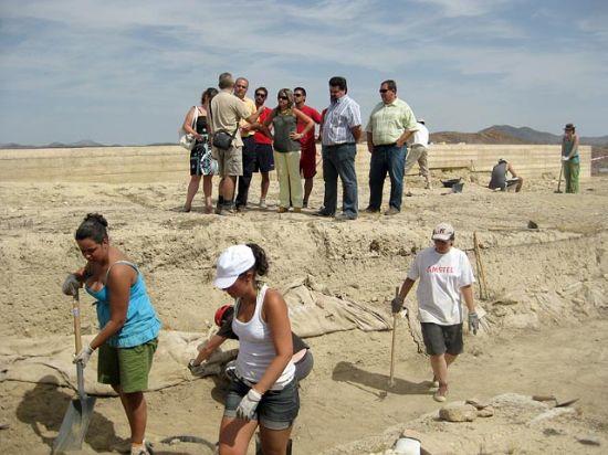 Veinte jóvenes de Europa y Asia participan en labores arqueológicas en el Campo de Trabajo Internacional de Puerto Lumbreras - 1, Foto 1