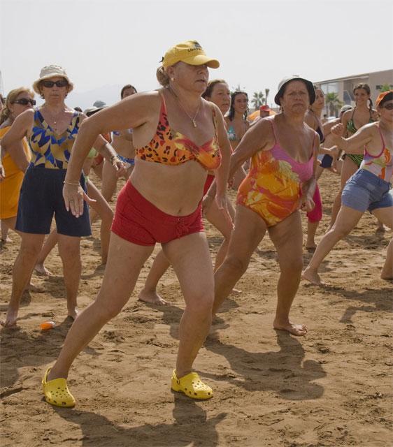 El ejercicio físico mantiene en forma a los más mayores, Foto 1