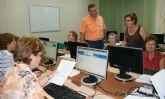 Jubilados de Puerto Lumbreras realizan un curso de Internet