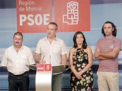 El PSOE de Totana pide amparo a Valc�rcel para que resuelva la situaci�n del municipio, Foto 1