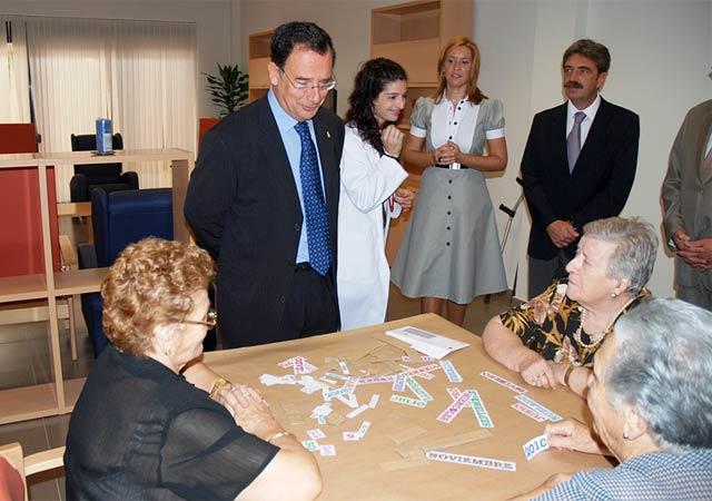 El consejero de Política Social inaugura el Centro de Estancias Diurnas de Alcantarilla - 1, Foto 1