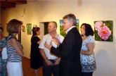 La pintora Remedios Ruiz presenta una exposición dedicada al universo de las flores en el museo de San Javier