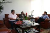 El consejero de política social recibe al alcalde de Totana y al concejal de bienestar social