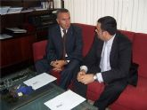 El alcalde y el secretario general de Hacienda planifican el plan de inversiones de la Comunidad Autónoma para el próximo ejercicio persupuestario del 2009 de este municipio