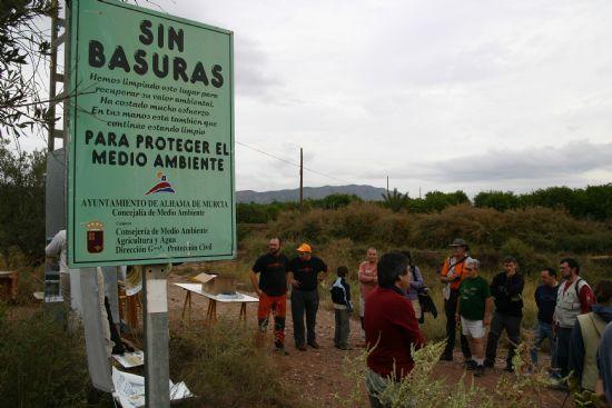"""Los voluntarios ambientales comenzaron la campaña """"Limpiar el Mundo 2008"""" limpiando la Rambla Celada, Foto 4"""