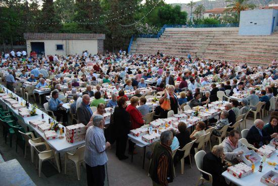 Más de novecientos mayores se reunieron en el Auditorio Municipal, Foto 3