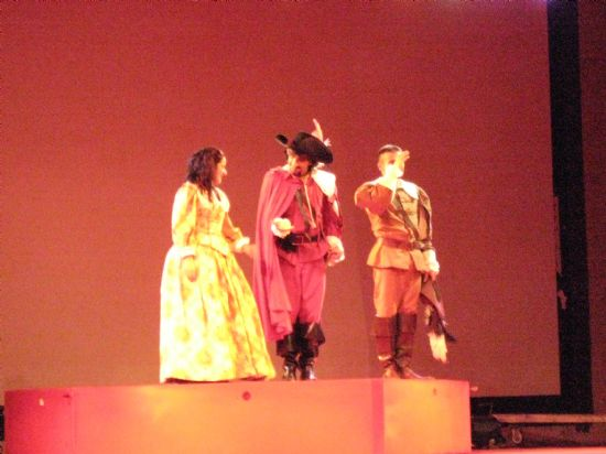 El programa de teatro infantil y familia 2008 finaliza con la obra de teatro Auuu!! con gran afluencia de público, Foto 1
