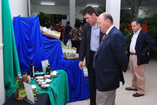 Gran variedad de productos en la Exposición de Uva de Mesa y Productos Agrarios del Bajo Guadalentín, Foto 2
