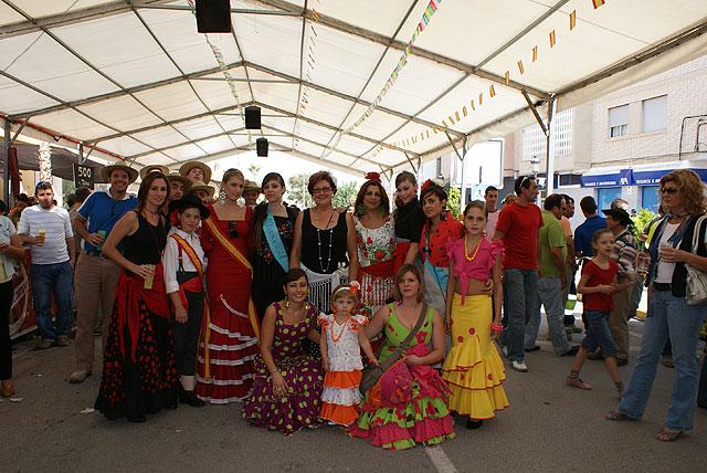 La tradicional Feria de Mediodía Rociera inaugura las fiestas de día del municipio - 1, Foto 1