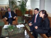 El consejero de Empleo, Formaci�n y Educaci�n y el alcalde de Totana mantienen una reuni�n de trabajo