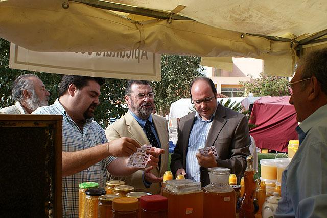 El Director General de Artesanía y el alcalde inauguran el Mercado Medieval de la Feria y Fiestas de Puerto Lumbreras 2008 - 1, Foto 1