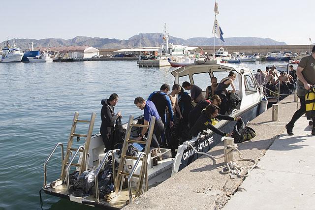 Más de cien personas participan en la 'Limpieza de fondos marinos' de Mazarrón - 1, Foto 1