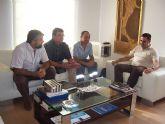 El alcalde se re�ne con los representantes sindicales locales y regionales de UGT y CC.OO.