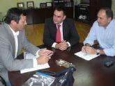El alcalde se re�ne con el director general de deportes