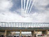 Espectacular exhibición de piruetas aéreas a cargo de la Patrulla Águila en Puerto Lumbreras