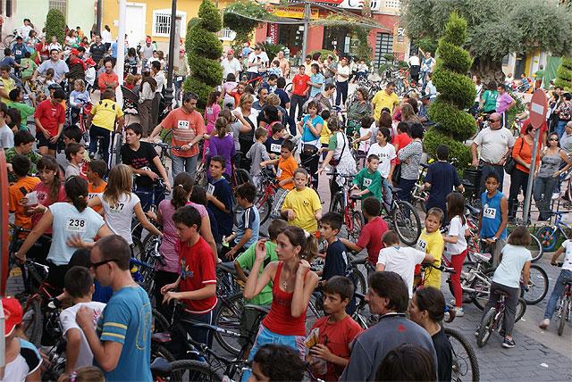 La actividad deportiva 'En Forma Peladeando' reúne a más de 500 participantes - 1, Foto 1