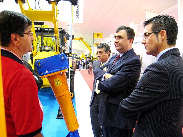 El consejero de Obras Públicas y Ordenación del Territorio inaugura en IFEPA 'Construmurcia 2008' - 2, Foto 2