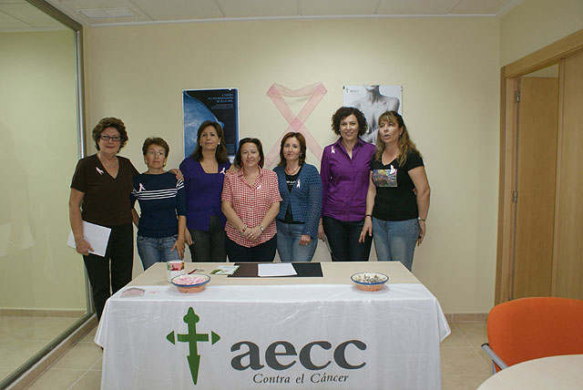 La AECC de Puerto Lumbreras presenta las actividades organizadas con motivo del Día de Cáncer de Mama. - 1, Foto 1