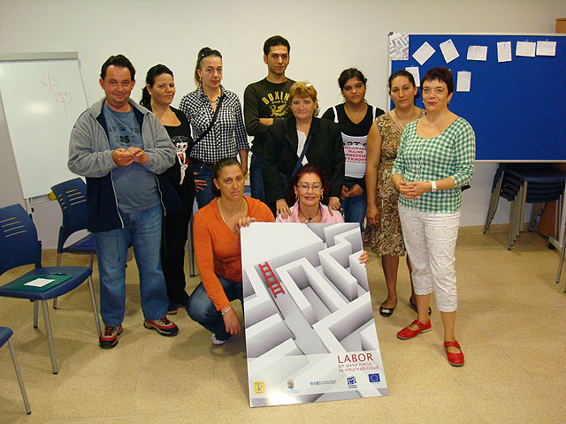"""""""The Candle"""" starts the social skills training workshop aimed at people who want to find a job, Foto 1"""