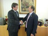 Moya-Angeler recibe al nuevo decano del Colegio de Economistas de la Región de Murcia