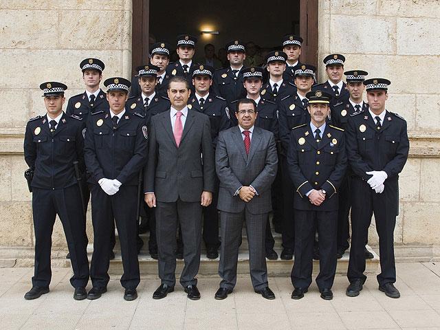 Toman posesión de su cargo quince nuevos policías municipales - 1, Foto 1