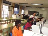 Comenzó en Alcantarilla un curso de informática para inmigrantes