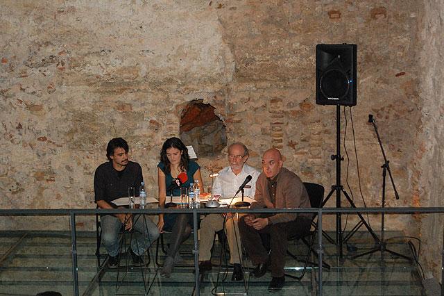 """Se presentó el libro """"La huída del César"""" escrito por la alhameña Marta Serrano, Foto 1"""