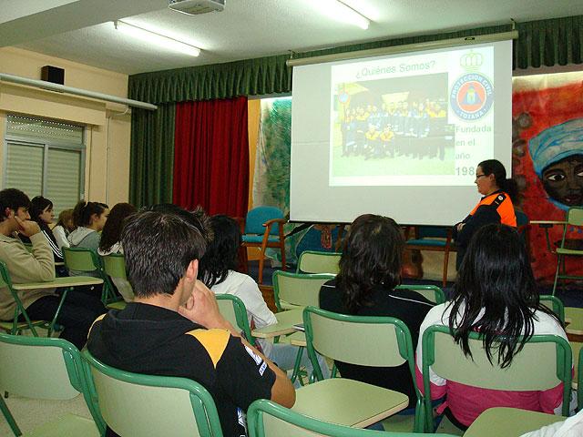 Un total de 800 jóvenes de los institutos de enseñanza secundaria participarán en los talleres de sensibilización sobre voluntariado, Foto 2
