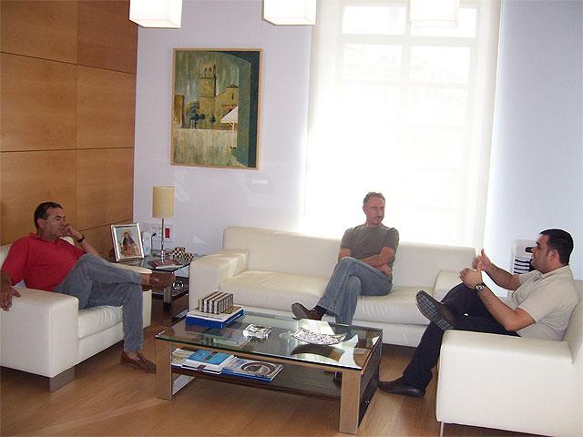 El alcalde de Totana se reúne con representantes de la Asociación de Vecinos de la diputación de Mortí-Lentiscosa, Foto 1