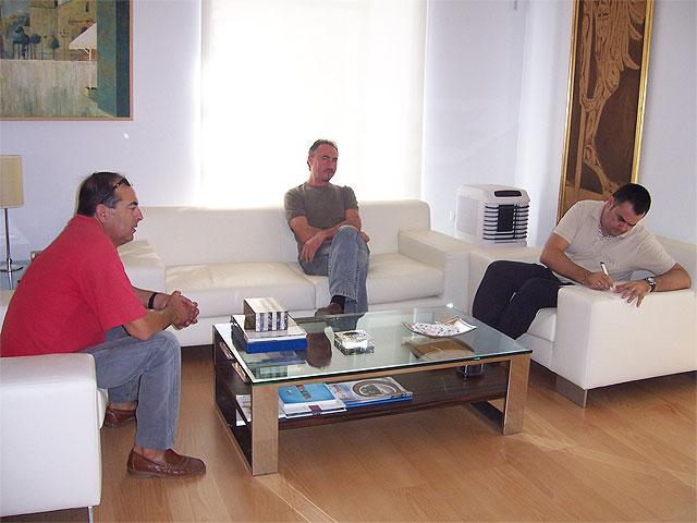El alcalde de Totana se reúne con representantes de la Asociación de Vecinos de la diputación de Mortí-Lentiscosa, Foto 2