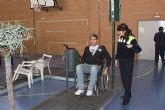 Los jóvenes mazarroneros participan en un circuito de accesibilidad