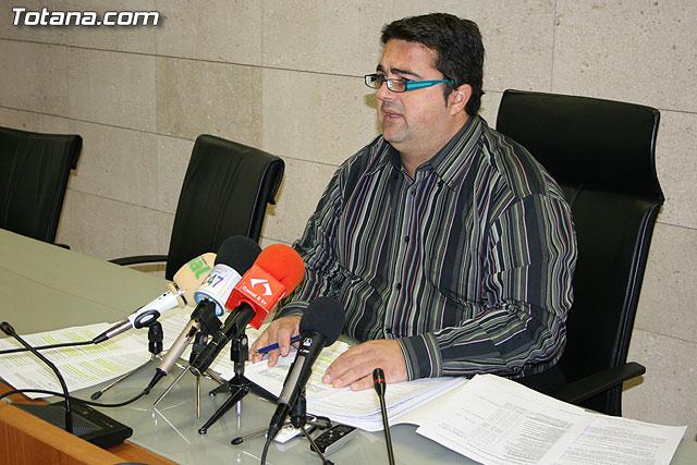 El concejal de urbanismo recuerda que la aprobación del PGMOU posibilitará el desarrollo económico del municipio, Foto 2