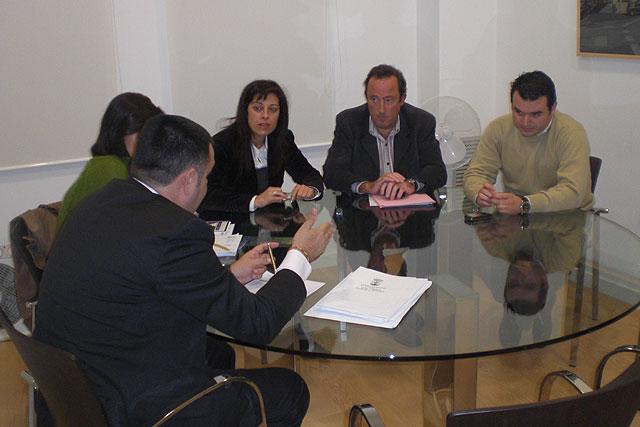 Comienza a trabajar la Comisión Especial de Economía y Empleo, Foto 2