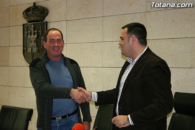 El ayuntamiento y la ASAJA firman un convenio de colaboración, Foto 4