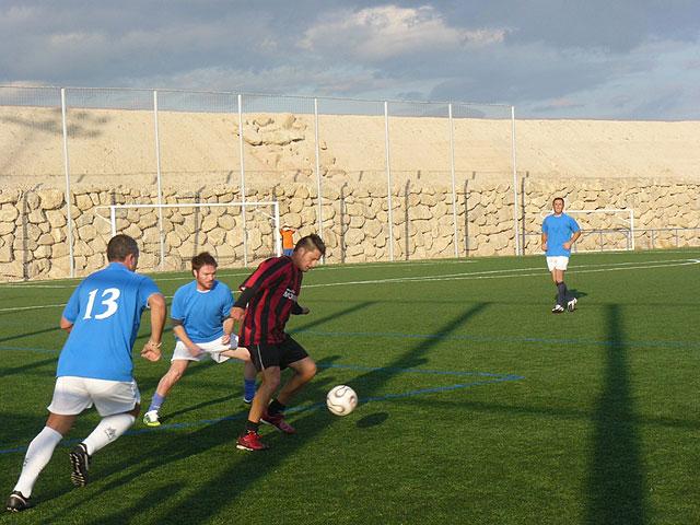 Muebles Mondrián es el nuevo lider de la liga de futbol aficionado Juega Limpio, Foto 3