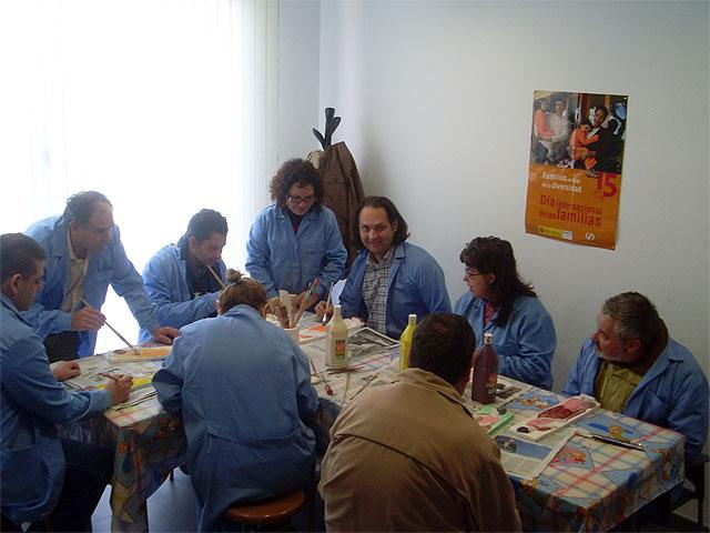 El Servicio Muncipal de Apoyo Psicosocial pone en marcha un programa de artes plásticas con fines terapéuticos, Foto 1